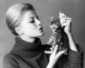 Virna Lisi and kitten