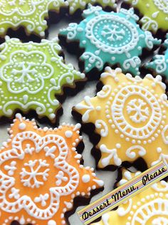 Beautiful snowflake cookies from Dessert Menu, Please: http://www.facebook.com/DessertMenuPlease?sk=wall