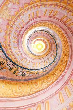 Melk Abbey, Austria. Escalera de mármol en espiral que conecta la iglesia y la biblioteca.