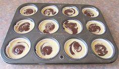 Briose de Casa cu Vanilie si Cacao ⋆ Retete Pentru O Viata Gem, Muffin, Breakfast, Morning Coffee, Muffins, Gemstones, Cupcakes, Bud, Gems