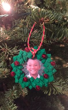 DIY LEGO Wreath Photo Christmas Tree Ornament