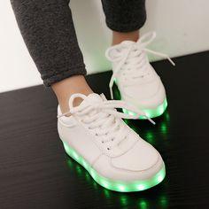 ac7b5316ca Nuevo Cordón de Los Zapatos Luminosos Niños Niñas Zapatillas Niños de La  Marca de Moda Casual