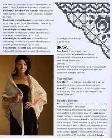 Uncinetto d'oro: Deliziosa scialle di filet !!! Filet Crochet, Crochet Shawl Free, Knitted Shawls, Crochet Scarves, Crochet Stitches, Double Crochet, Single Crochet, Create Picture, Crochet Tablecloth