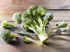 Cómo cocinar las verduras crucíferas  Disfruta del sabor y los nutrientes de las verduras crucíferas y olvídate del mal olor y los gases -- Virginia García (CreatiVegan.net) para CuerpoMente #vegan