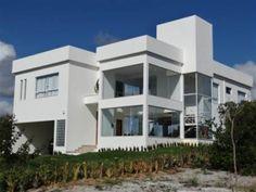 Itacimirim Casa - Casa Nova e Moderna Localizada em Condomínio Fechado com 400m²...