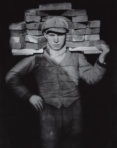 Bricklayer by August Sander, 1928