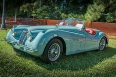 Vintage Sports Cars, Vintage Cars, Antique Cars, Jaguar Roadster, Dream Cars, Jaguar Daimler, Jaguar Xk120, Automobile, Classy Cars