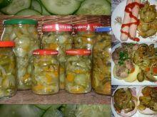 Sałatka z ogórków na zimę Pickles, Cucumber, Food, Essen, Meals, Pickle, Yemek, Zucchini, Eten