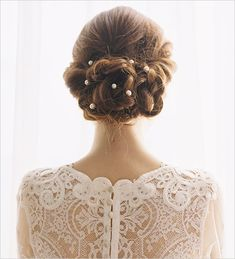 romantic wedding hair style with pins