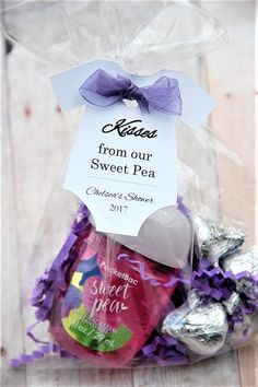 Kisses from our Sweet Pea! Lovely personalized gift tags for your thank you party favors at your baby shower!