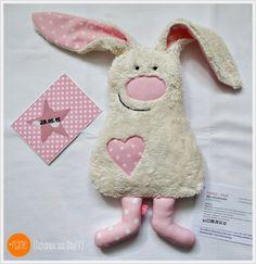 Mini Hase nähen.. Kuschelhase für Babys - super Geschenk zur Geburt. Kann man natürlich auch in Blau für Jungs nähen