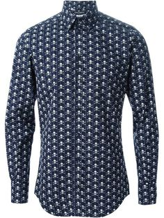 Shop Dolce & Gabbana skull & crossbones print shirt in Dell'oglio from the world's best independent boutiques at farfetch.com. Shop 300 boutiques at one address. Mens Shirts Online, Mens Designer Shirts, Skull And Crossbones, Boutiques, Printed Shirts, Shirt Designs, Shirt Dress, Suits, Mens Tops