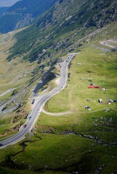 Turism Romania, The Beautiful Country, Bucharest, Manila, Country Roads, Places, Travel, Moon, Mountains