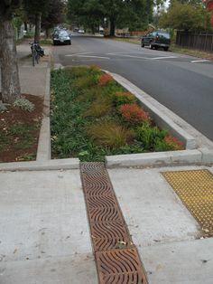 Portland Green Streets : Traffic Calming SuDS