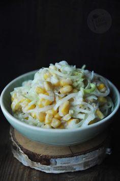 Kardamonowy: Surówka z pora i kukurydzy Macaroni And Cheese, Salads, Ethnic Recipes, Food, Mac And Cheese, Meals, Salad, Yemek, Lettuce