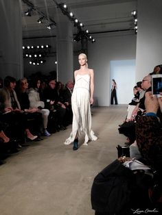 Derek Lam Fall / Winter 2014 {gorgeous white dress}