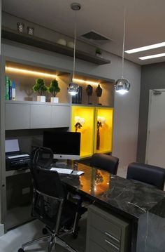 Offices are gorgeous spaces to design, inspired by any style, using any decor piece, balancing functionality and elegance. Office Cabin Design, Office Furniture Design, Office Interior Design, Office Interiors, Office Designs, Modern Office Desk, Office Workspace, Small Office, Medical Office Decor