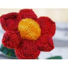 On this page you will find a large array of free knitting patterns. The knitting patterns vary from simple knitting projects suitable for people. Yarn Flowers, Knitted Flowers, Crochet Flower Patterns, Knitting Patterns Free, Free Knitting, Simple Knitting, Crochet Quilt, Knit Crochet, Yarn Animals