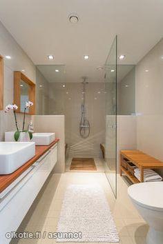 Light bathroom / Valoisa kylpyhuone