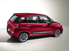 2014 FIAT 500L --- nice and affordable!! but in white though