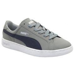 Met de PUMA Smash Nubuck schoenen voor mannen zie jij er altijd trendy uit.