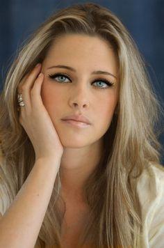 Kristen Stewart Ash Blonde Hair