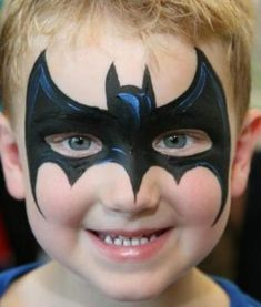 Arrived early to set up, accommodated all the kids requests for face paint. Batman Face Paint, Superhero Face Painting, Face Painting For Boys, Face Painting Designs, Simple Face Painting, Disney Face Painting, Body Painting, Maquillage Hello Kitty, Fairy Makeup