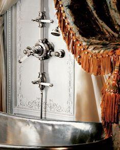 Volevatch  #interiordesign  #housedesign #bathroom #bathroomstyle #bathroomdecor #marble #homedeco #homedesign #homedecor #residentialdesign #avignon #saintemaxime #provence #paca
