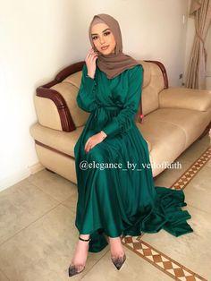 Modest Fashion Hijab, Muslim Fashion, Hijab Prom Dress, Muslim Prom Dress, Chifon Dress, Green Satin Dress, Green Gown, Muslim Evening Dresses, Hijab Fashion Inspiration