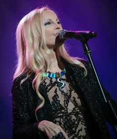 Patty pravo wears atelier Gianluca Saitto Concert, Celebrities, Music, How To Wear, Atelier, Musica, Celebs, Musik, Recital