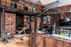 Steel, wood and brick loft