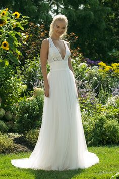 Sweetheart Gowns Style 11022 - Boho style wedding dress with lace and  tulle. Flowy a-line wedding gown with intricate lace bodice. c26089e4d057