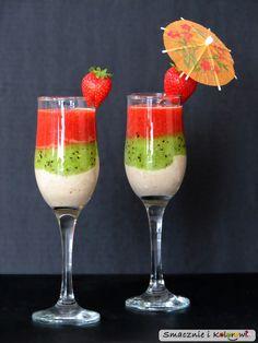 Smacznie i Kolorowo: Trójwarstwowy mus owocowy Smoothies, Smoothie Drinks, Fancy Desserts, Sweet Desserts, Healthy Dessert Recipes, Healthy Snacks, Kitchen Recipes, Cooking Recipes, Birthday Breakfast