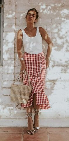 Collage vintage blogger. Zara skirt