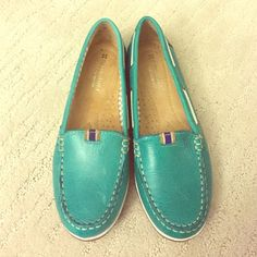 naturalizer green loafer flats size 6 never worn, NWOT Naturalizer Shoes Flats & Loafers