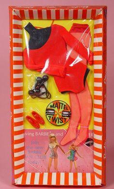 Barbie - Mattel Twist # Play Barbie, Barbie I, Barbie World, Barbie And Ken, Barbie Dress, Vintage Barbie Clothes, Vintage Dolls, Doll Clothes, Vintage Outfits