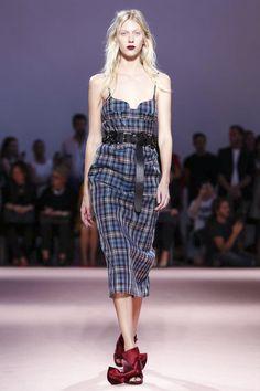 N°21 Ready To Wear Spring Summer 2015 Milan