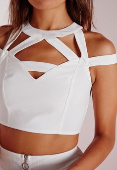 Missguided - Crop top en crêpe blanc ajouré