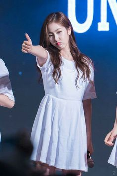 SinB Sinb Gfriend, Role Player, Fan Picture, G Friend, Dance Moves, Korean Celebrities, That Look, White Dress, Short Sleeve Dresses
