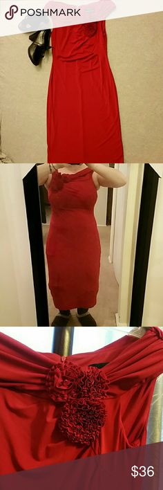 Connected Apparel cocktail dress size 6 Gorgeous red cocktail dress size 6. Bateau top sits on the edge of shoulders. Material is stretchy and has lots of give. Color is a deep red as seen in the 4th picture. Easily transfers from a day at the office to a night on the town. Barely worn. Connected Apparel Dresses Midi