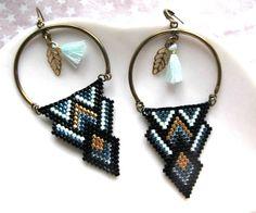 Brick Stitch Earrings, Bead Earrings, Nativity Crafts, Burlap Flowers, Triangle Earrings, Bijoux Diy, Peyote Stitch, Bead Patterns, Bead Weaving