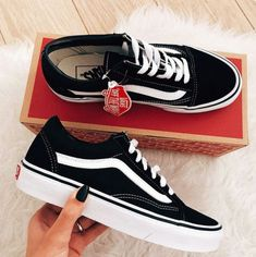 Nothing can go wrong with black and white😂 Vans Sneakers 4eb5ad559881