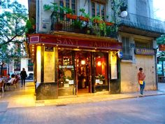Moving to Spain | Go expat in | moving to Valencia's Barrio del Carmen