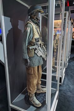 Nissan Rogue: Rogue One Star Wars Limited Edition Pathfinder Rogue, Rebel Outfit, Star Wars History, Republic Commando, Rogue One Star Wars, Mandalorian Cosplay, Star Wars Figurines, Star Wars Personajes, Imperial Assault