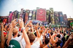 tomorrowland fes book stage