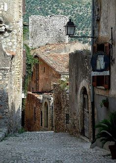 Sermoneta - small medieval village in Italy