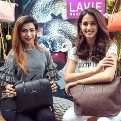 Birthday Cake Gift, Musically Star, Sims House Design, Girl Trends, Disha Patani, Stylish Girl Pic, Girl Photography Poses, Bollywood Actress, Actresses