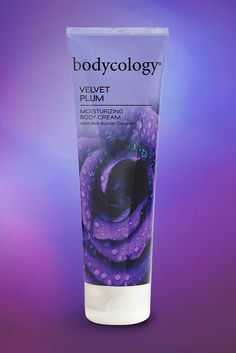 The lush blend of violet leaf, plum blossom and sweet jasmine petals is as smooth as velvet.