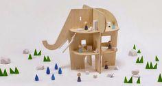 Ele Villa, una casa de muñecas con forma de elefante de Rock & Pebble