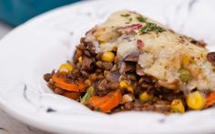 <p>This hearty, savory shepherd's pie has a delicious filling of French lentils, sautéed mushrooms, and vegetables in a red wine gravy.</p>